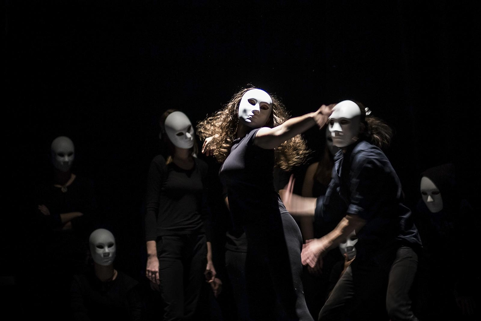 Image dance-drama-on-stage-theater